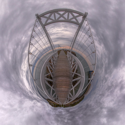 Bad Bay Bridge Planet 2 - Pano in La Malbaie, Quebec