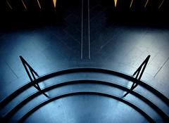Silence ... on travaille (* galaad *) Tags: architecture noir couleurs bleu silence axe escalier espace cercle mariobotta avemaria oratoire rhizome symtrie friedrichnietzsche evry mariacallas formes linescurves puissance galaad flickraward saintcorbinien cathdraledelarsurrection goldenart