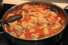 Cocemos los Callos una Hora mas en su salsa