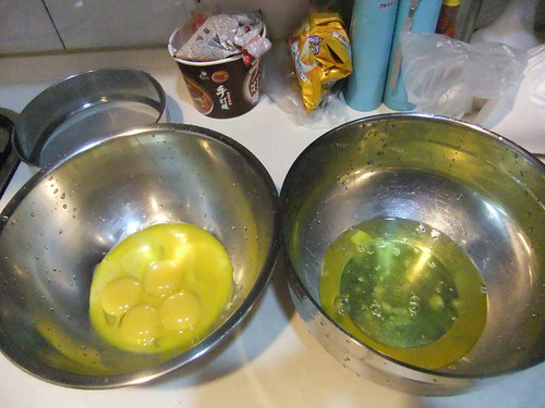分開蛋黃與蛋白