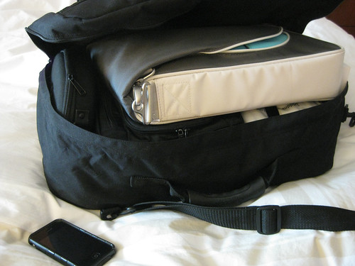 travel laptop packing luggage bags iphone
