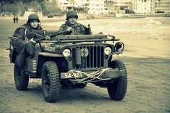 (squalo79) Tags: roma italia lazio truppe armi anzio soldati simulazione sbarco nikond90 munizioni sbarcodianzio squalo79 66anniversariodellosbarcodianzio 2querramondiale veicolimilitari artigleria