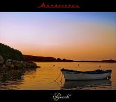 La barca solitaria (Pepesanta) Tags: atardecer mar barca playa puestadesol atardeceres cantabria mogro buoyant