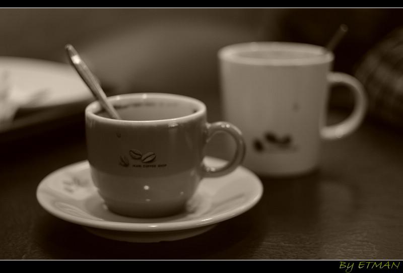 咖啡店的呆滯時刻
