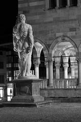 Behind Hercules (m.e.r.l.i.n.o) Tags: night canon 50mm notte hercules ercole friuli udine 400d