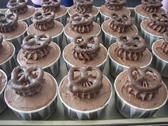 Chocolate Covered Pretzel Cupcakes (death by cupcake) Tags: baking chocolate cupcake treat superbowl pretzel deadcupcake deathbycupcake jennifermcfadden