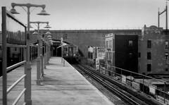 End of the line. (obwantiag) Tags: subway noir el queens astoria elevated filmnoir ditmars