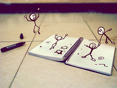Las pequeas ideas cobran vida! (EduardoEquis) Tags: life pen notebook real drawing vida scribbles scrawl draw ideas dibujos cartoons muecos garabatos cuaderno dibujar marcador