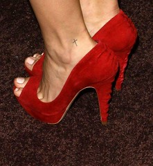 Eliza Dushku feet (21) (I Love Feet & Shoes) Tags: sexy celebrity feet stockings beautiful pie amazing shoes sandals ps huf eliza hoof bas pieds mules schuhe casco piedi meias medias scarpe sandalias chaussures sapatos sandlias zapatillas tru sandalen trucalling  elizadushku   sandales  sandali   strmpfe    calcanhares  sse
