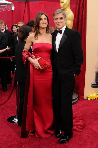 Elisabetta Canalis and George Clooney at Oscar Red Carpet