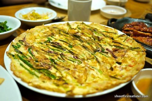 """pajeon"" onion leek pancake w/ squid"