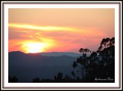 Por do sol / Sunset (antoninodias13) Tags: pordosol portugal nuvens silhuetas sertã marmeleiro mywinners centrogeodésico ilustrarportugal goldstaraward flickrestrellas rubyphotographer mygearandmepremium