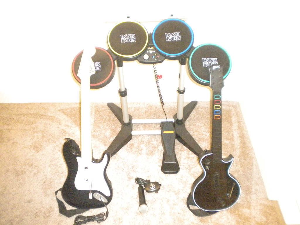 Xbox 360 - Rock Band Instruments