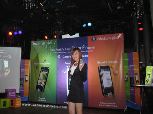 Model with Garmin Asus M10