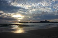 Praia de Bombas - SC (Dircinha -) Tags: praia brasil sunrise canon mar frias cu nuvens santacatarina amanhecer bombas dircinha praiadebombas yourwonderland