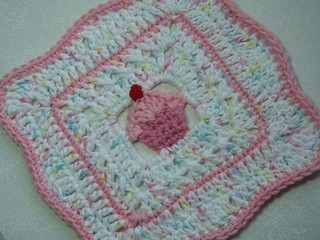 Ravelry: Cupcake Dishcloth (5 Designs) pattern by Doni Speigle