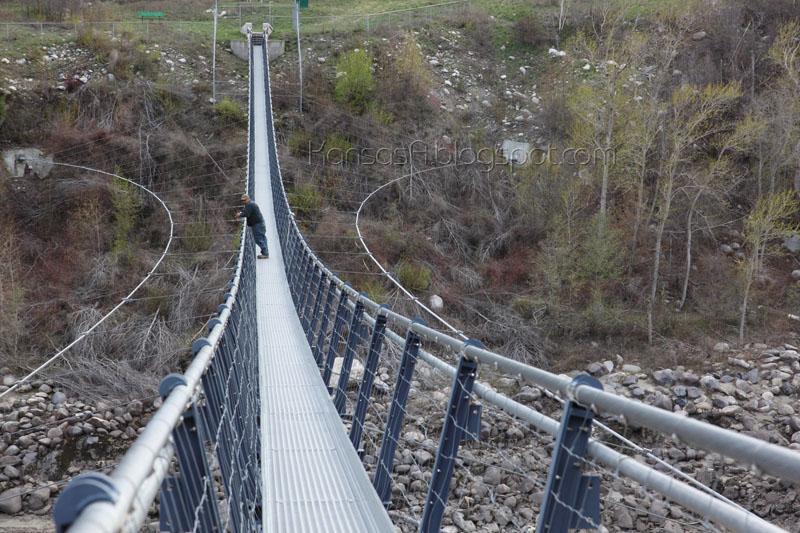 Lytton Walking Bridge (by KansasA)