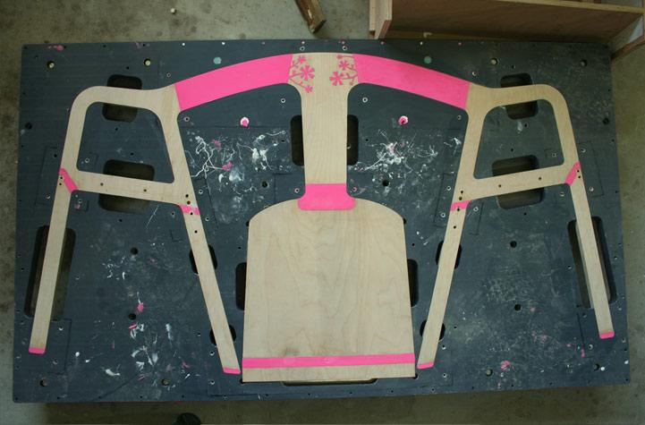 elastische houten stoel