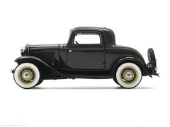Ford 1932 Deluxe Coupe in Tunis Gray with Tacoma Cream wheels