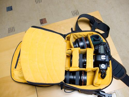 4530136949 baec9f3622 Crumpler Company Gigolo 7500