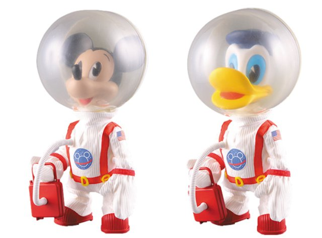 mickey-mouse-donald-duck-astronaut-toys-front