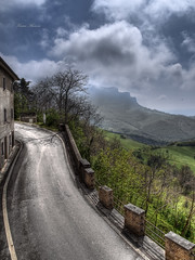 ascensione (Franco Marconi) Tags: italien italy art landscape photo europe poetry italia mood arte dream paisaje paisagem zen poesia  paysage   italie marche  paesaggio maisema 43  landschap 2010 itali pemandangan iphone landskap sogno tj landskab  lemarche  ascolipiceno italya  paisaia         peyzaj fourthirds  krajobraz   ascensione   fourthird rivieradellepalme  monteascensione casteldicroce iphonewallpapers iphonebackground zuiko1260mm olympuse620 pajsa francomarconi   iphone4wallpaper