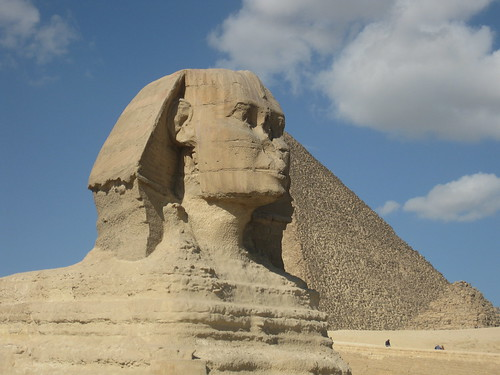 sphinx and giza pyramids cairo egypt