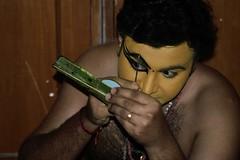 Concentration! (shankarsm) Tags: male art beauty club kerala dancer decorate shankar munnar kathakali mahindra swaminathan maledancer clubmahindra keralaart shankarswaminathan