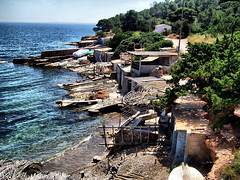 Casetas varadero (ibzsierra) Tags: blue sea sky costa mer rock azul coast mar mare kodak salinas ibiza cielo eivissa hdr dx7590 rocas baleares