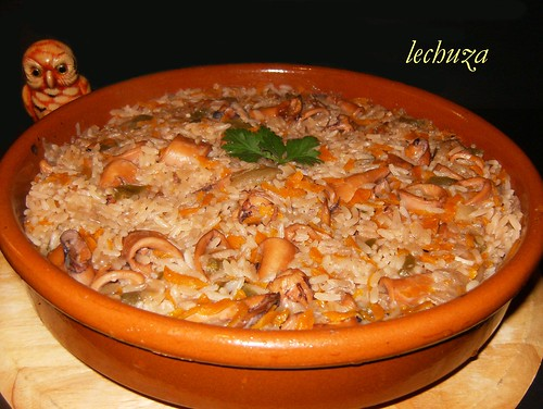 Chipirones con arroz-cazuela.