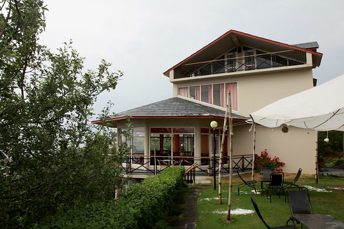 thanedar banjara orchard retreat