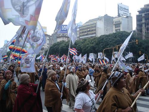 indigenas en plaza de mayo 7