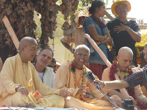 Prahladananda Swami in Mayapur Parikrama 2009