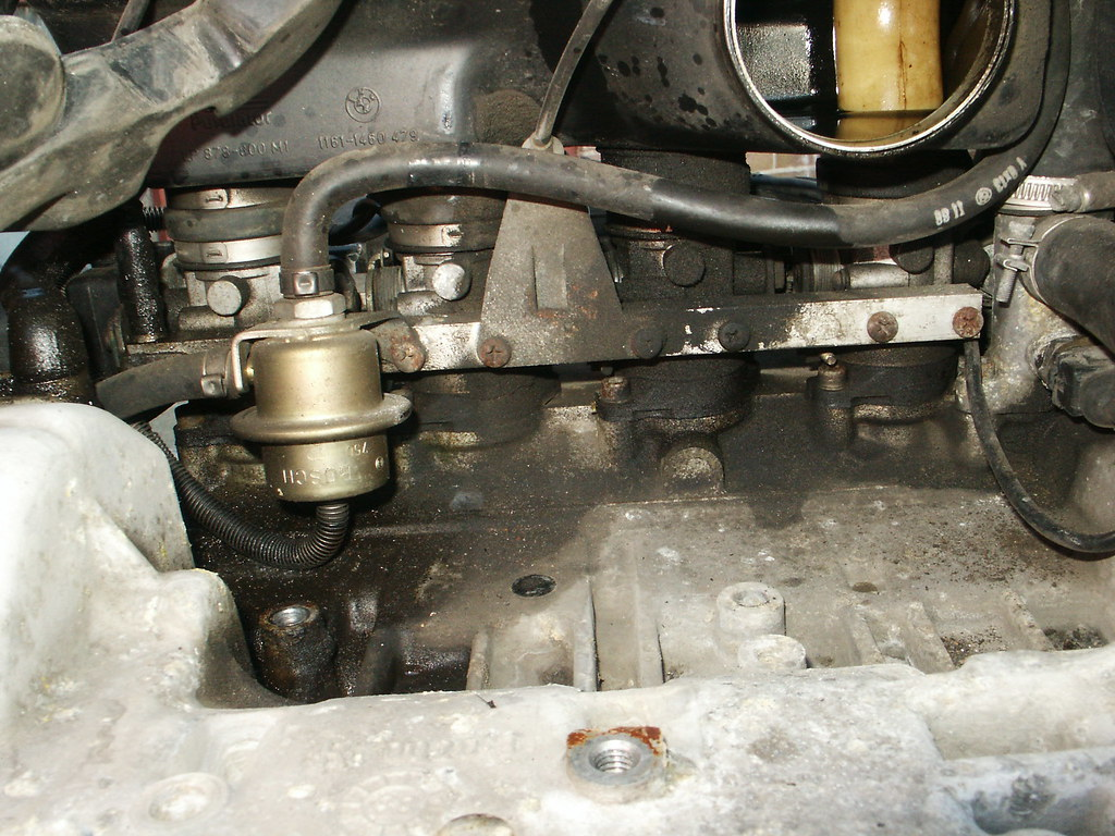 BMW K100RT fuel pressure regulator