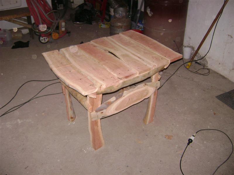 Como Hacer una Mesa de Jardin rustica con 4 troncos