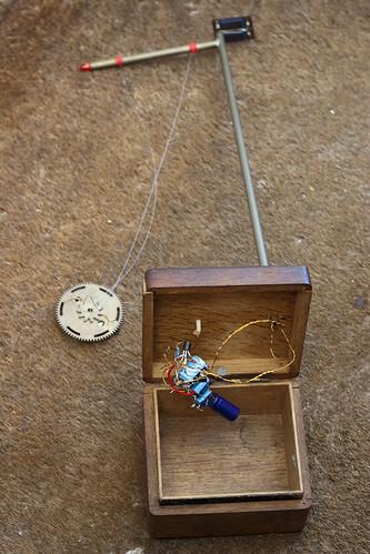 Solar pendulum circuit