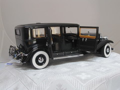 1930 Al Capone's Cadillac V-16 Armoured LWB Imperial Sedan 03 (Glenister 1936) Tags: classic cars sedan vintage franklin al model mint cadillac historic imperial capone v16 armoured lwb