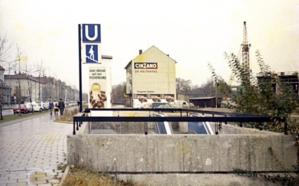 1971 U-Bahn München Nordriedhof Ausgang süd -heute MAN-Gebäude-
