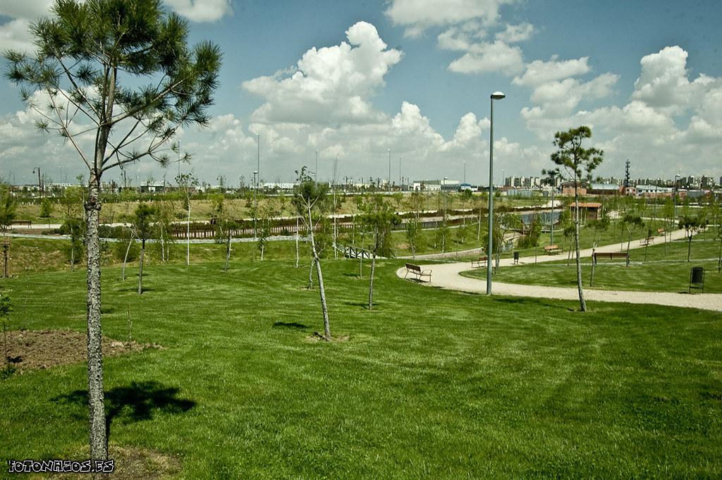 Parque biosaludable en el barrio del hospital en fuenlabrada for Vivero fuenlabrada