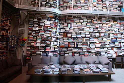 книжные шкафы и полки для домашней библиотеки