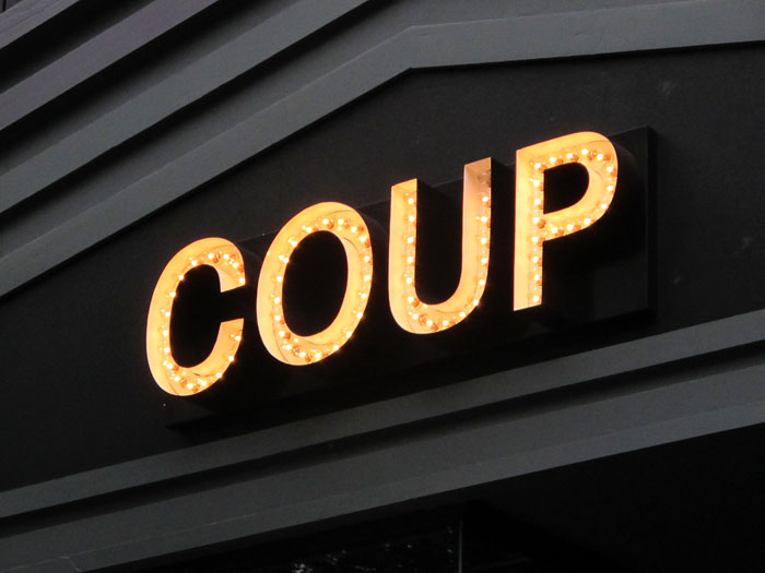 COUP01