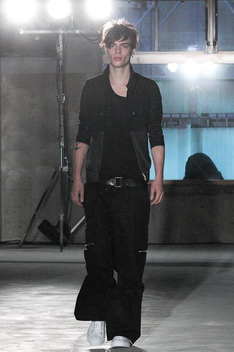 Chris Tanner3016_SS11_Tokyo_Sise(Fashionsnap)