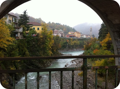 we stopped in Isola Del Cantone...a small Italian village in the valley.