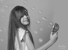 IMG_9973 - e bn (Daniel JG) Tags: model modelo kid child niño niña smile natural book sesion photo portrait retrato shooting indoors studio estudio funny play playing toy enjoy blonde rubia blue blueyes ojo ojos azules moda danifotografia danieljimenezfotowixcomportfolio danieljg bubbles pompas muah makeup hairdresser