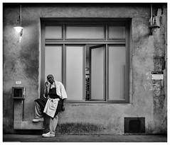 Fourvière calling (Stef De Ieso) Tags: lyon fourvière street photoderue stéphanedeieso d7000 portrait nikon noirteblanc dx bianconero blackwhite
