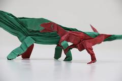 Origami Acrocanthosaurus and Sauroposeidon - Acrocanthosaurus close-up (Tankoda) Tags: roar challenge design june forum origami threopod sauropod cellulose methyl mc white red green paper tissue double attack battle dinosaur art nolan travis sauroposeidon acrocanthosaurus