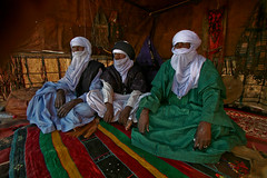 Touareg People ( ) Tags: africa costumes me with dress traditional north east clothes adventure middle tours libya cultural lybia libyan pepole libia attire    toureg    twareg     familygetty2010