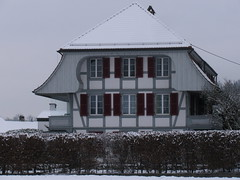 Schnes Haus zwischen Ittigen und Ostermundigen , Kanton Bern , Schweiz (chrchr_75) Tags: hurni christoph schweiz suisse switzerland svizzera suissa swiss kanton bern berne berna brn kantonbern ittigen ostermundigen winter hiver schnee snow neige schlsser schlssertour 2009 chrchr chrchr75 chrigu chriguhurni 0912 albumbernerbauernhuser landwirtschaft haus building bauernhaus bauer farmer farm hurni091221