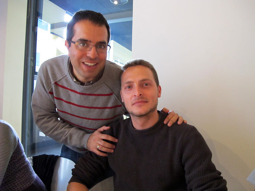 Nacho regala a Guille - Amigos Invisibles