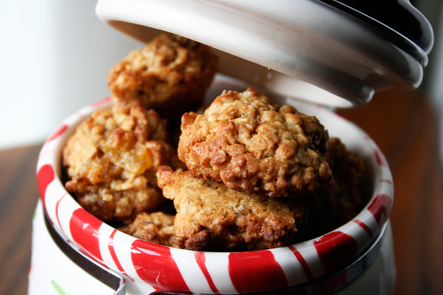 Jamie Olivers Oat And Raisins Cookies Juls Kitchen